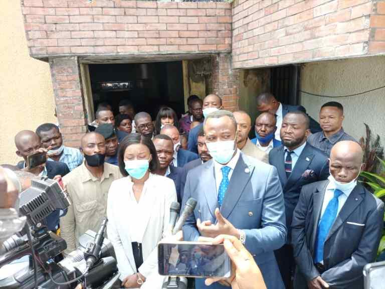 Visite d'itinérance de Tony Mwaba dans les Directions et Services de son sous-secteur